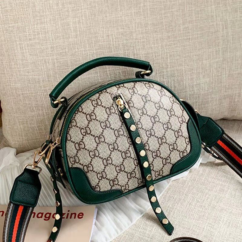 JT7020 IDR.162.000 MATERIAL PU SIZE L22XH16.5XW12CM WEIGHT 600GR COLOR GREEN