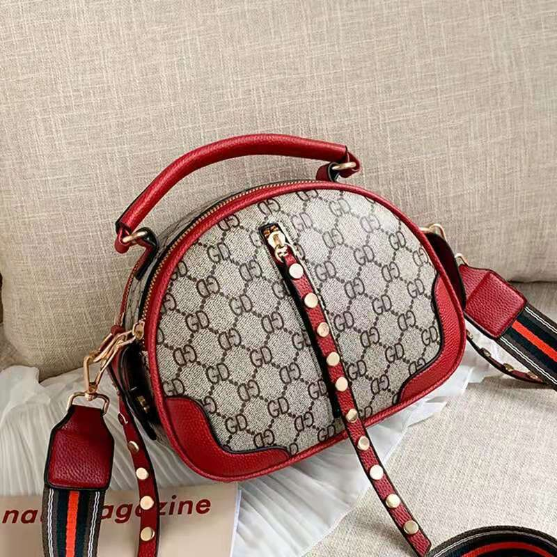 JT7020 IDR.162.000 MATERIAL PU SIZE L22XH16.5XW12CM WEIGHT 600GR COLOR RED