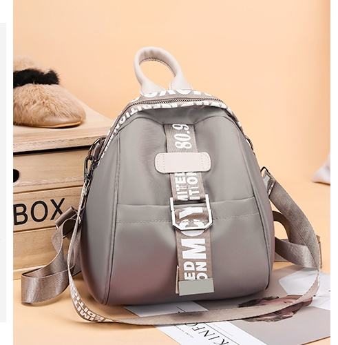 JT7030 IDR.161.000 MATERIAL OXFORD SIZE L22XH26XW15CM WEIGHT 500GR COLOR KHAKI