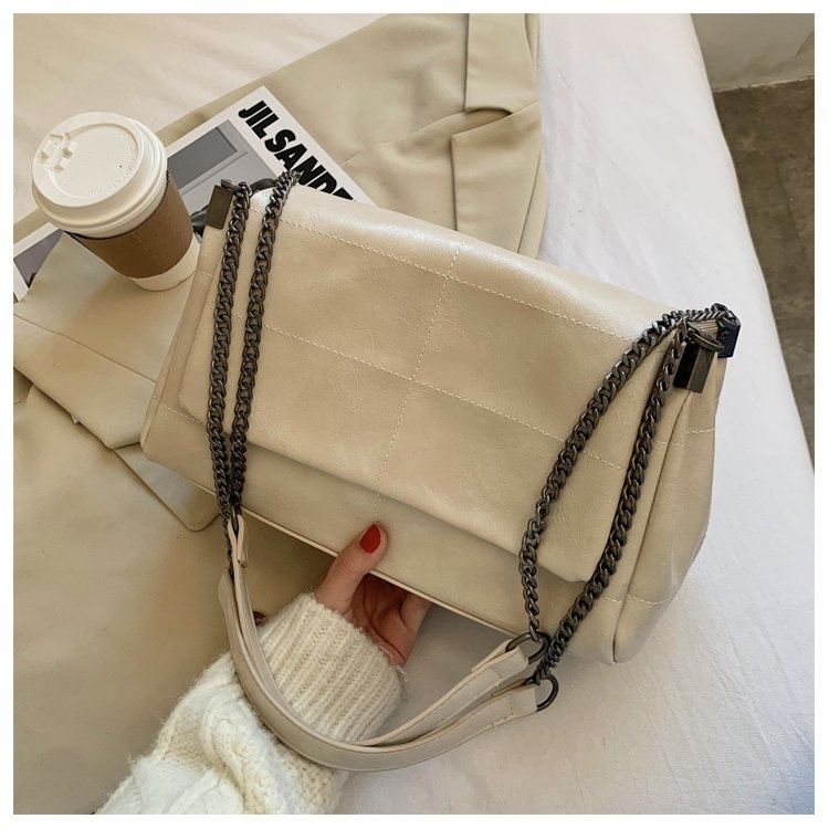 JT71749 IDR.182.000 MATERIAL PU SIZE L31XH20XW13CM WEIGHT 710GR COLOR BEIGE