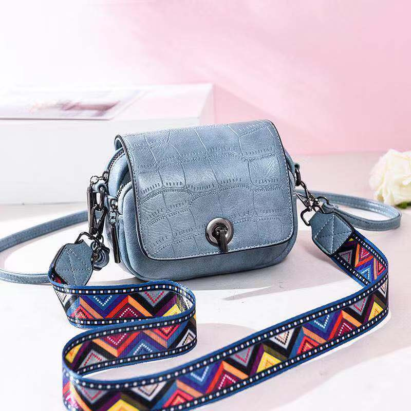 JT731 IDR.157.000 MATERIAL PU SIZE L17XH14XW8CM WEIGHT 500GR COLOR BLUE