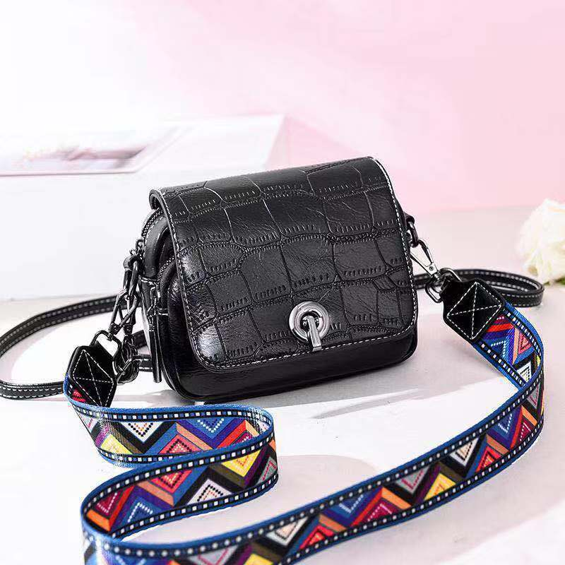 JT731 IDR.163.000 MATERIAL PU SIZE L17XH14XW8CM WEIGHT 500GR COLOR BLACK