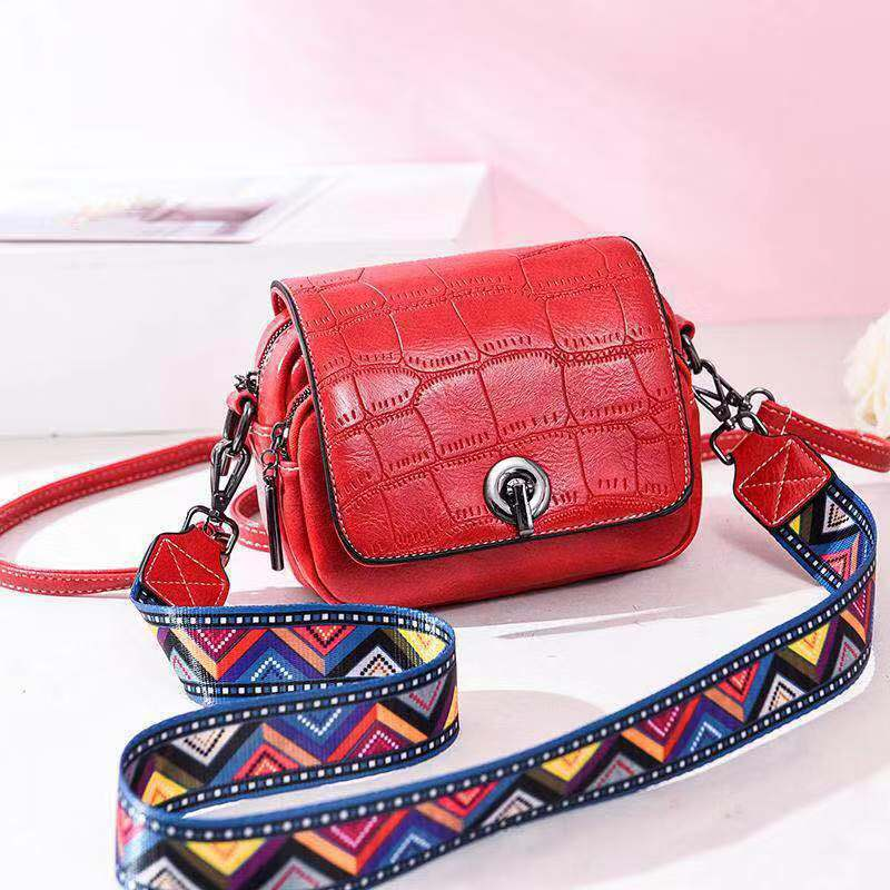 JT731 IDR.163.000 MATERIAL PU SIZE L17XH14XW8CM WEIGHT 500GR COLOR RED