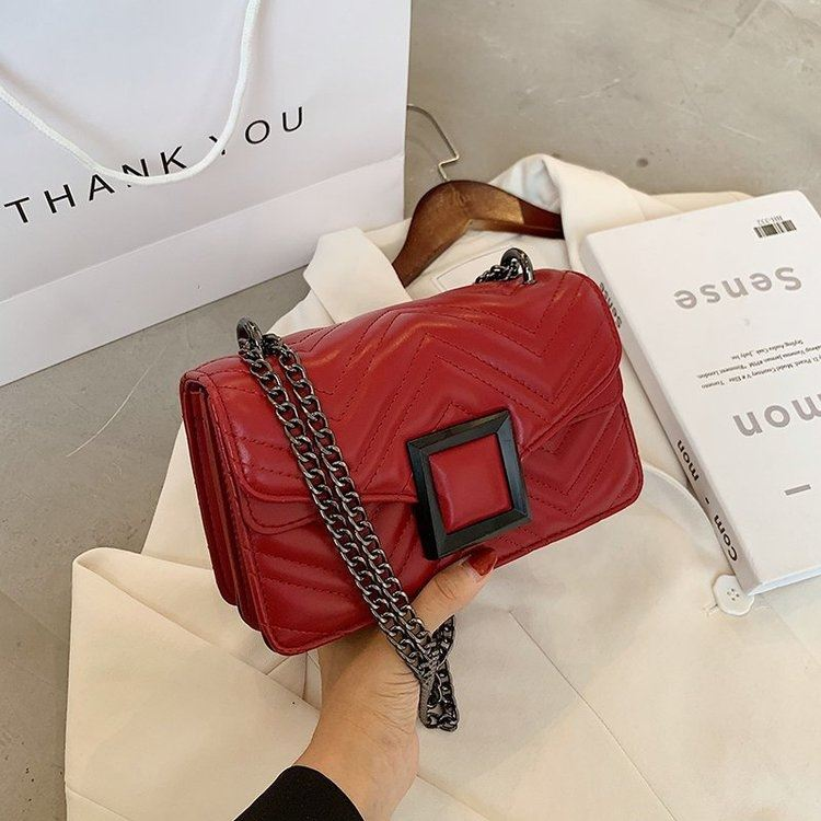 JT732 IDR.172.000 MATERIAL PU SIZE L22XH14XW8CM WEIGHT 600GR COLOR RED