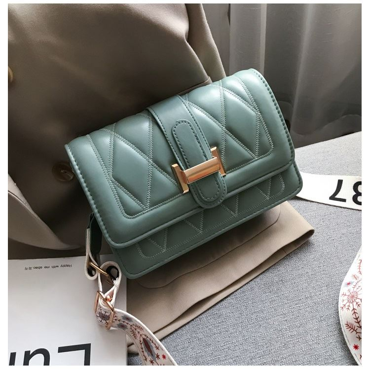 JT7497 IDR.125.000 MATERIAL PU SIZE L20XH14XW7CM WEIGHT 350GR COLOR GREEN