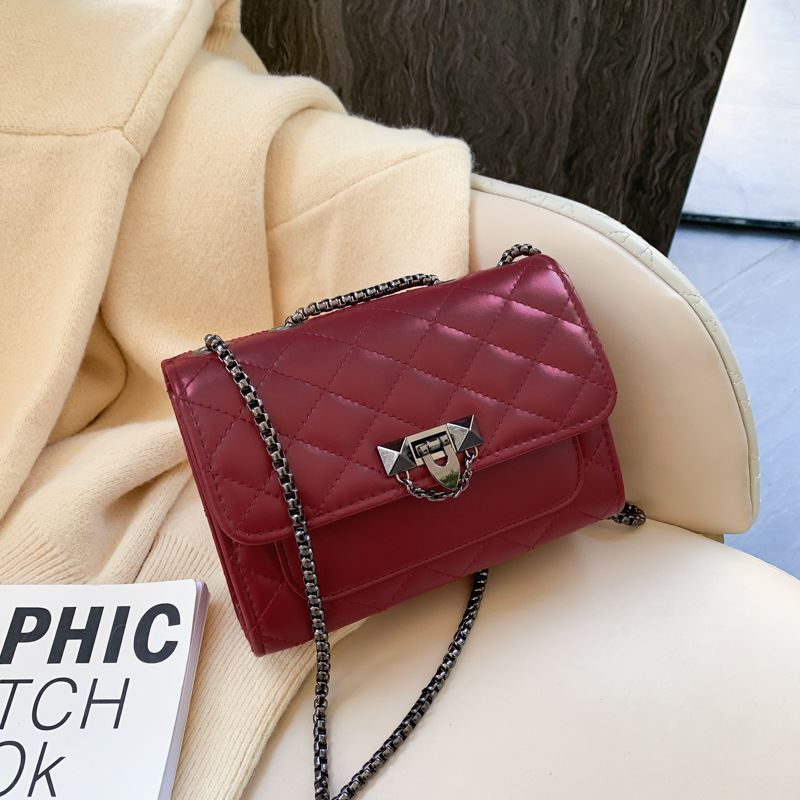 JT7507 IDR.117.000 MATERIAL PU SIZE L20XH14XW6CM WEIGHT 300GR COLOR RED