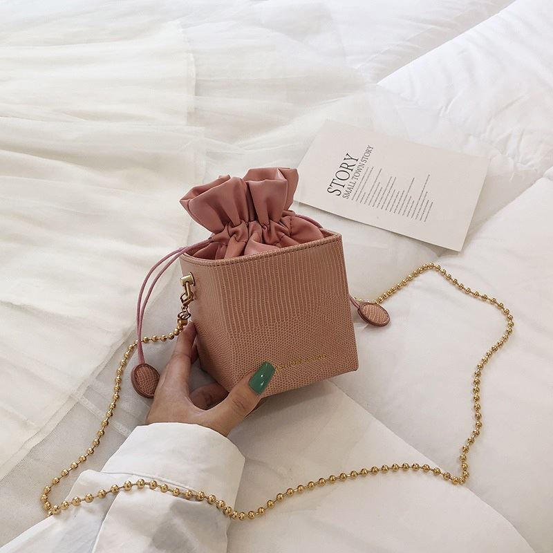JT778 IDR.156.000 MATERIAL PU SIZE L11XH12XW10.5CM WEIGHT 300GR COLOR PINK