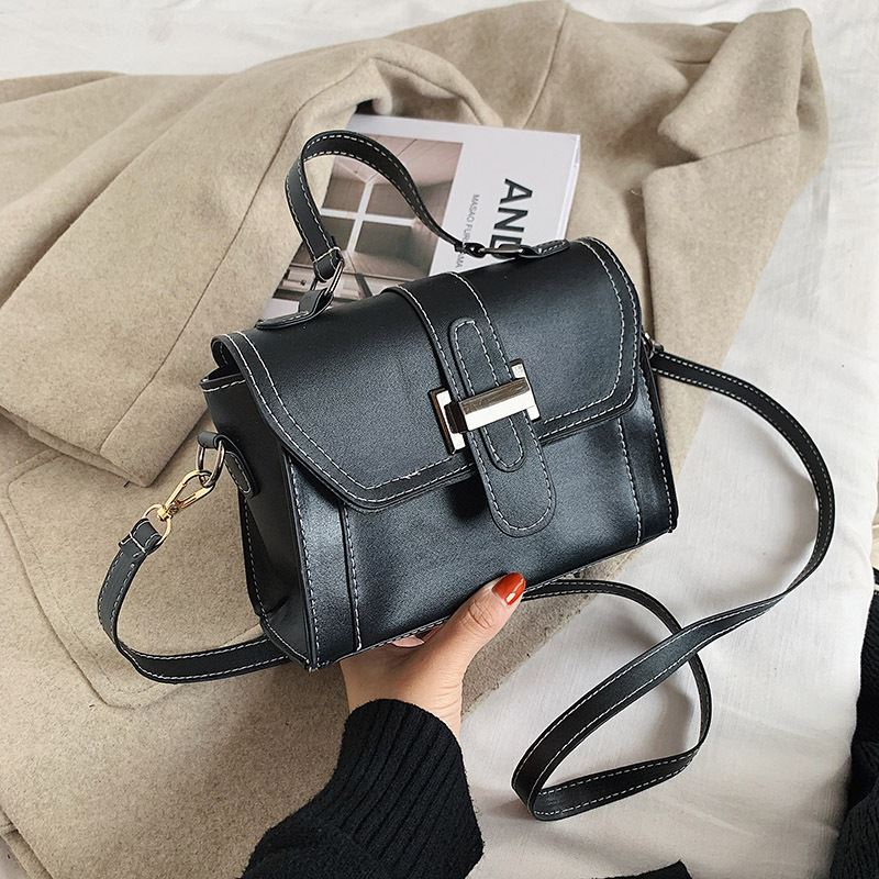 JT7986 IDR.144.000 MATERIAL PU SIZE L20XH14XW8CM WEIGHT 350GR COLOR BLACK