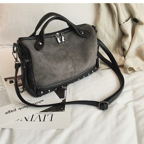 JT8006 IDR.155.000 MATERIAL PU SIZE L28XH18XW12CM WEIGHT 400GR COLOR GRAY