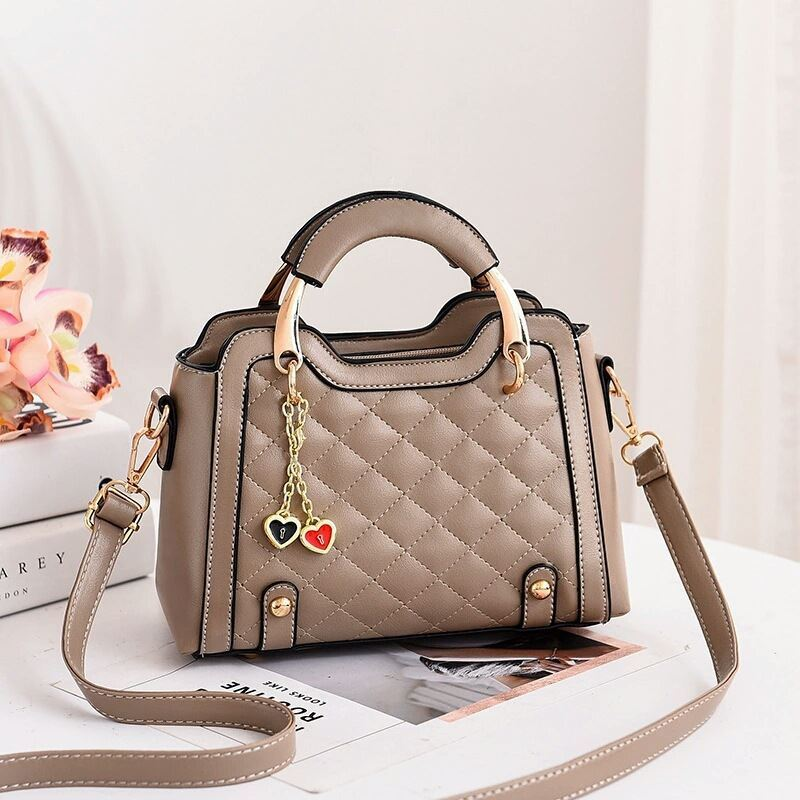 JT8011 IDR.169.000 MATERIAL PU SIZE L24XH15XW11CM WEIGHT 550GR COLOR KHAKI