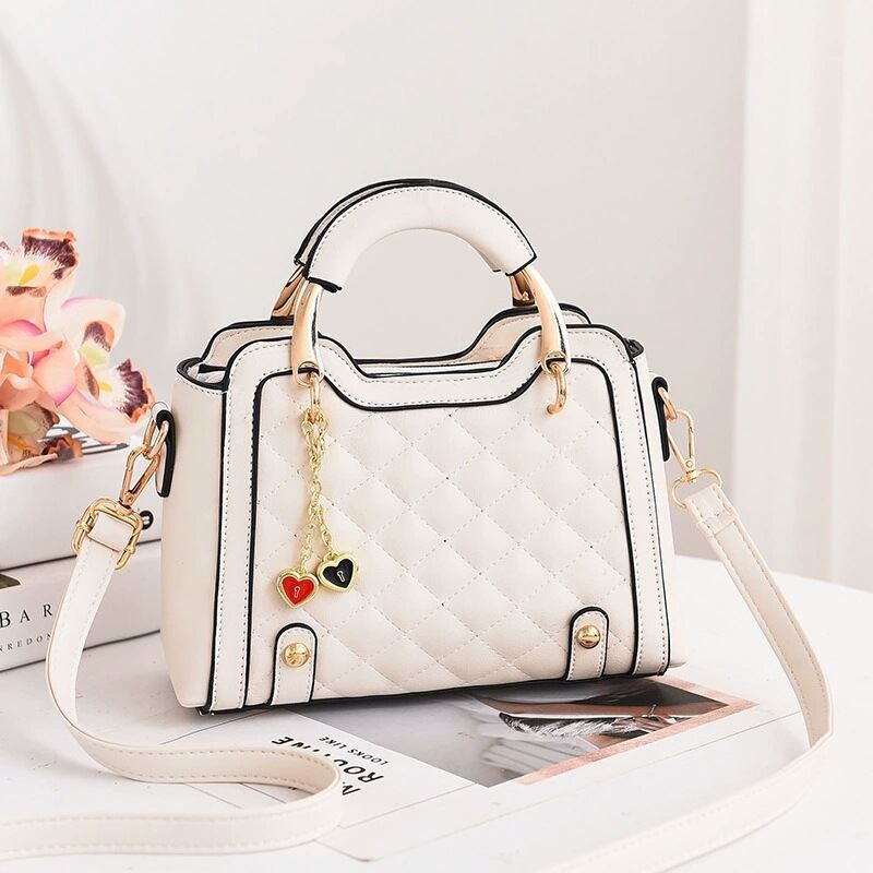 JT8011 IDR.169.000 MATERIAL PU SIZE L24XH15XW11CM WEIGHT 550GR COLOR WHITE
