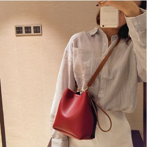 JT8028 IDR.125.000 MATERIAL PU SIZE L17XH18XW12CM WEIGHT 400GR COLOR REDBLACK
