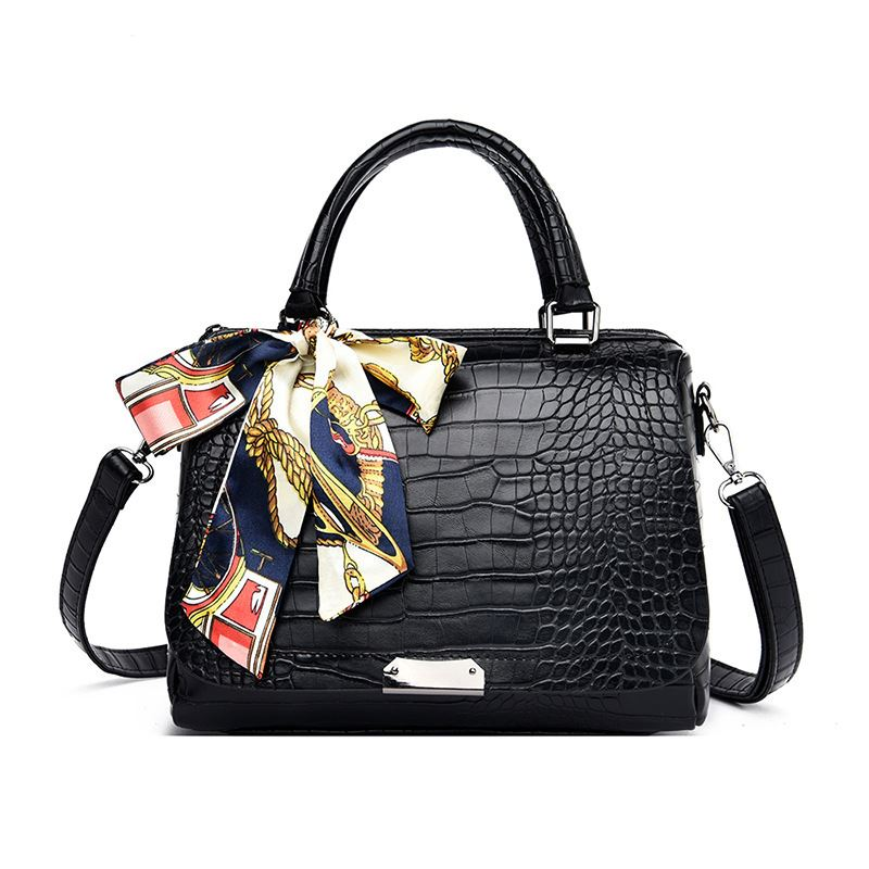 JT8070 IDR.199.000 MATERIAL PU SIZE L27XH18XW13CM WEIGHT 650GR COLOR BLACK