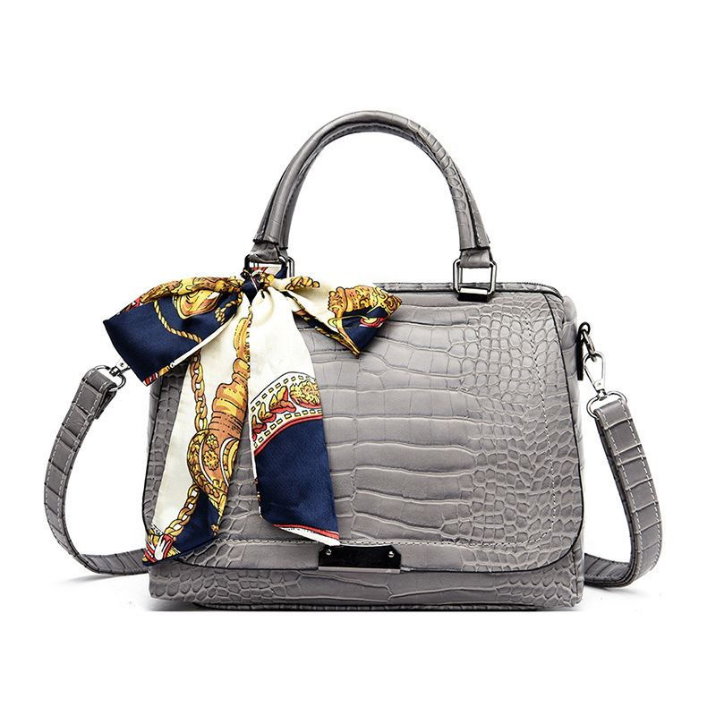 JT8070 IDR.199.000 MATERIAL PU SIZE L27XH18XW13CM WEIGHT 650GR COLOR GRAY
