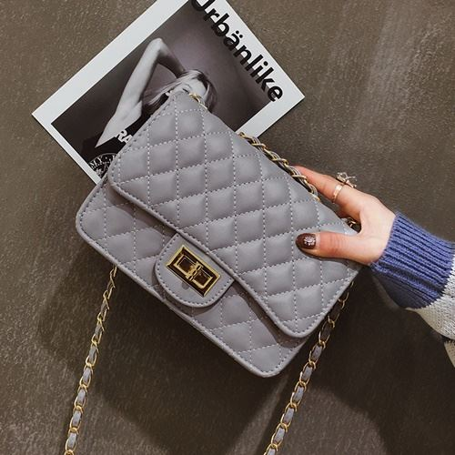 JT8083 IDR.149.000 MATERIAL PU SIZE L21XH15XW7CM WEIGHT 450GR COLOR GRAY