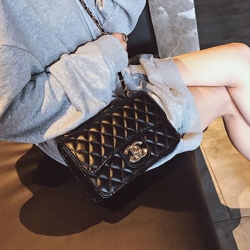 JT80831-black Tas Selempang Wanita Kekinian Import