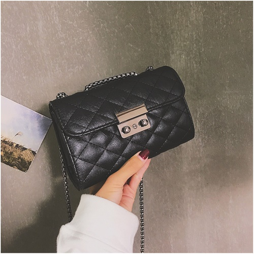 JT8086 IDR.143.000 MATERIAL PU SIZE L18XH12XW7CM WEIGHT 400GR COLOR BLACK