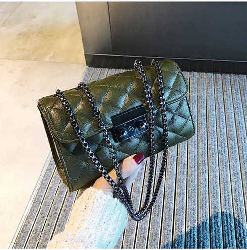 JT8086 IDR.143.000 MATERIAL PU SIZE L18XH12XW7CM WEIGHT 400GR COLOR GREEN