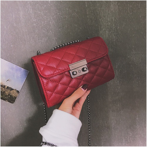 JT8086 IDR.143.000 MATERIAL PU SIZE L18XH12XW7CM WEIGHT 400GR COLOR RED