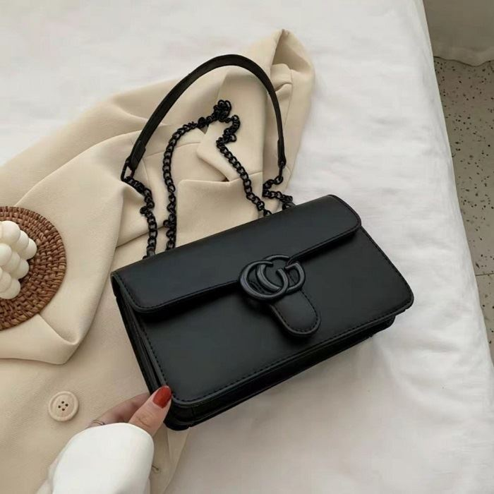 JT8133 IDR.170.000 MATERIAL PU SIZE L23XH15XW6CM WEIGHT 500GR COLOR BLACK