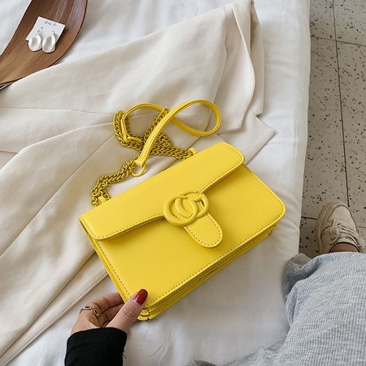 JT8133 IDR.170.000 MATERIAL PU SIZE L23XH15XW6CM WEIGHT 500GR COLOR YELLOW