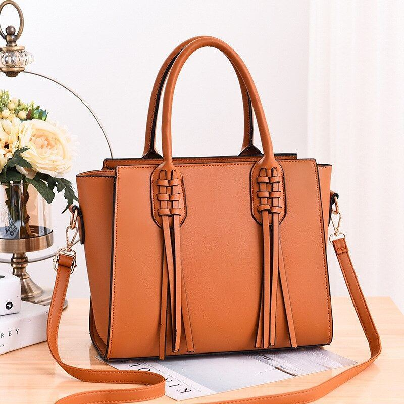 JT8160 IDR.165.000 MATERIAL PU SIZE L30XH24XW15CM WEIGHT 900GR COLOR BROWN