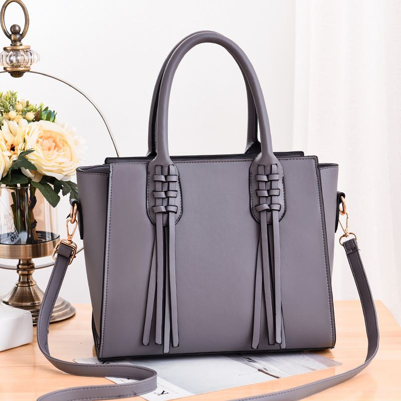 JT8160 IDR.165.000 MATERIAL PU SIZE L30XH24XW15CM WEIGHT 900GR COLOR GRAY