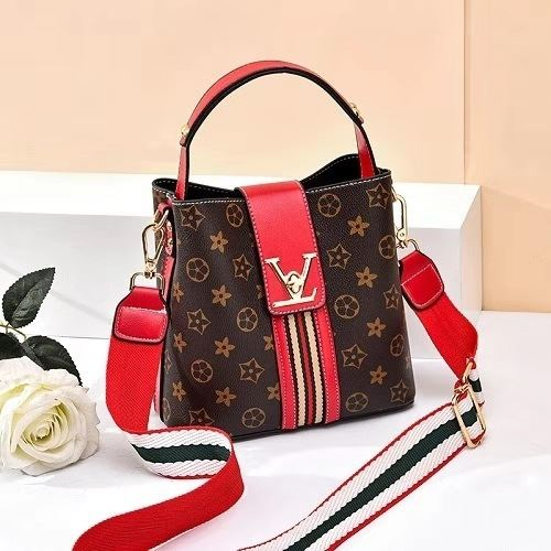 JT81890 IDR.149.000 MATERIAL PU SIZE L20XH19XW11CM WEIGHT 550GR COLOR REDSTAR