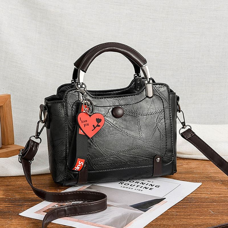 JT8452 IDR.174.000 MATERIAL PU SIZE L23XH15XW10CM WEIGHT 700GR COLOR BLACK
