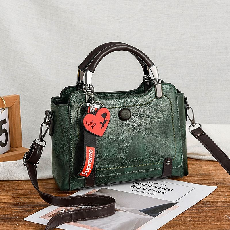 JT8452 IDR.174.000 MATERIAL PU SIZE L23XH15XW10CM WEIGHT 700GR COLOR GREEN