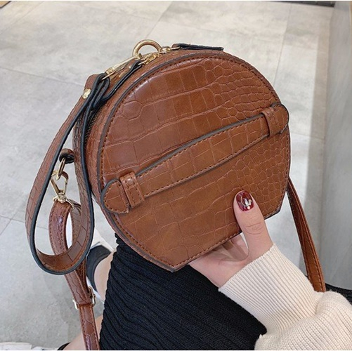 JT8583 IDR.155.000 MATERIAL PU SIZE L16XH16XW9CM WEIGHT 400GR COLOR BROWN