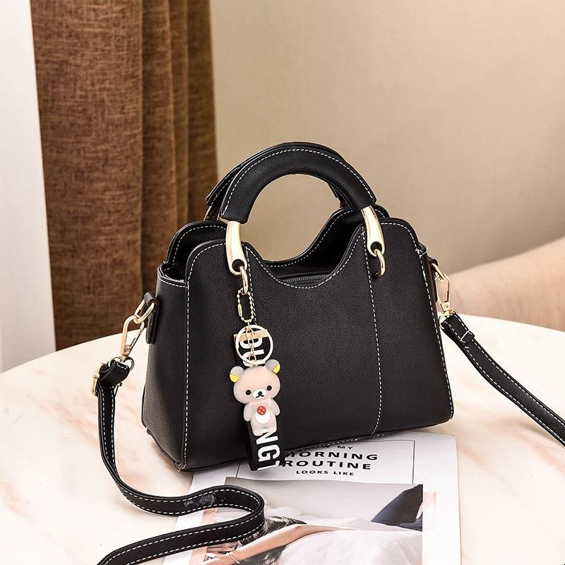 JT8601 IDR.168.000 MATERIAL PU SIZE L23XH17XW10CM WEIGHT 600GR COLOR BLACK