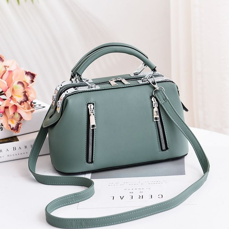 JT8607 IDR.185.000 MATERIAL PU SIZE L28XH18.5XW14.5CM WEIGHT 850GR COLOR GREEN