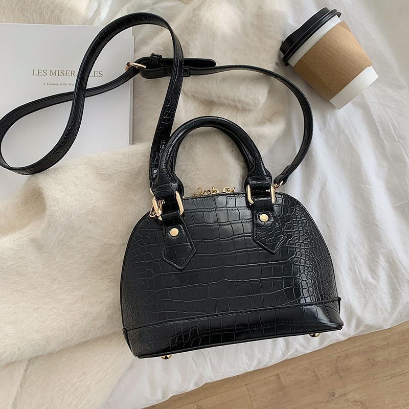 JT8699 IDR.164.000 MATERIAL PU SIZE L23XH15XW11CM WEIGHT 500GR COLOR BLACK