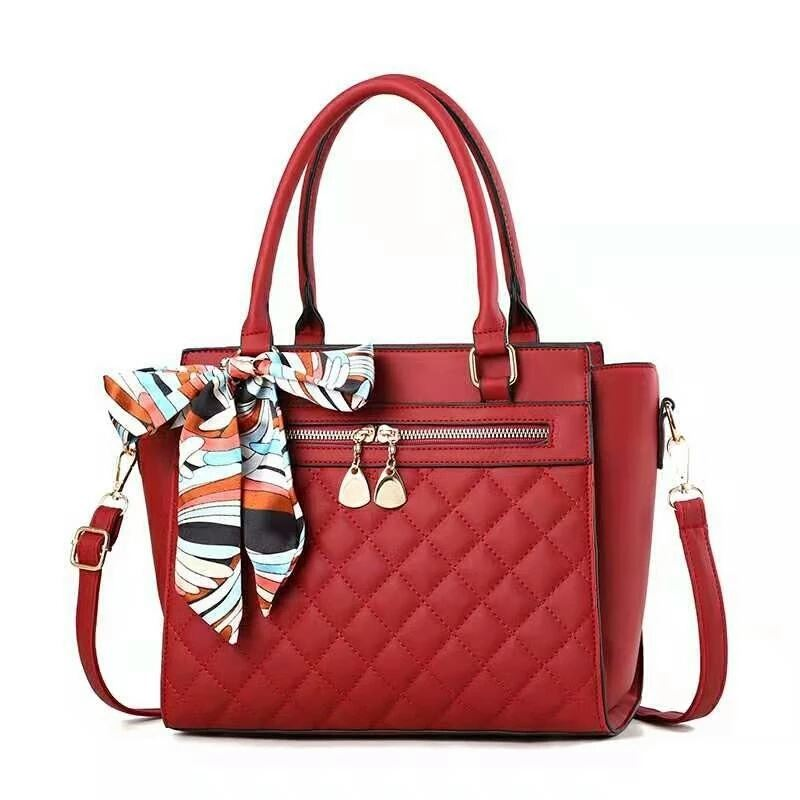 JT8801 IDR.180.000 MATERIAL PU SIZE L28XH24XW13CM WEIGHT 900GR COLOR RED