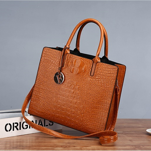 JT8813 IDR.198.000 MATERIAL PU SIZE L32XH27XW12CM WEIGHT 700GR COLOR BROWN