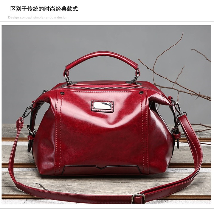 JT8815 IDR.190.000 MATERIAL PU SIZE L27XH20XW15CM WEIGHT 650GR COLOR RED