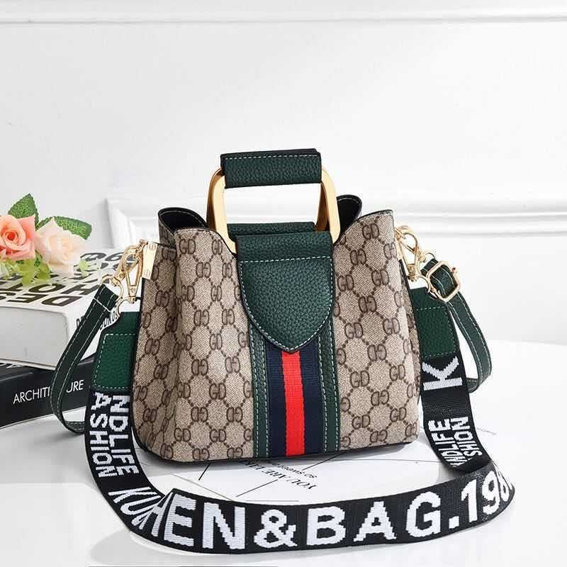 JT88216 IDR.152.000 MATERIAL PU SIZE L21XH17XW11CM WEIGHT 450GR COLOR GREEN