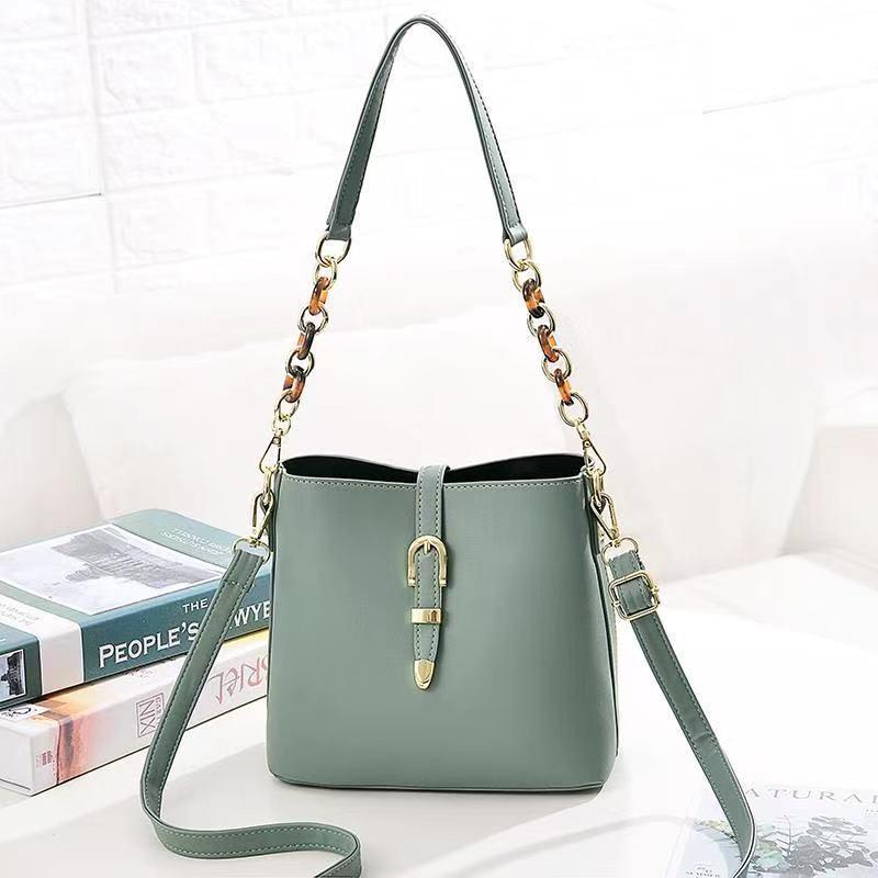 JT8836 IDR.172.000 MATERIAL PU SIZE L21XH19.5XW11.5CM WEIGHT 550GR COLOR GREEN