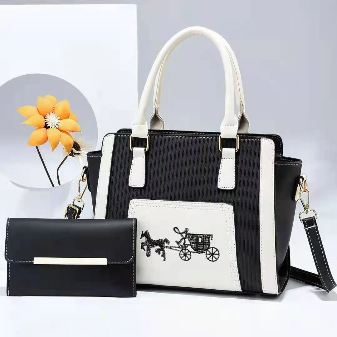 JT88535 (2IN1) IDR.195.000 MATERIAL PU SIZE L27XH21XW13CM WEIGHT 750GR COLOR BLACK