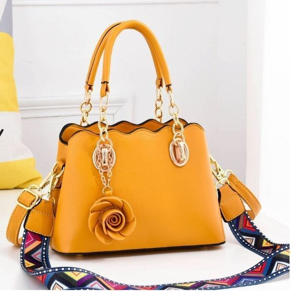 JT886 IDR.195.000 MATERIAL PU SIZE L25XH17XW11CM WEIGHT 850GR COLOR YELLOW