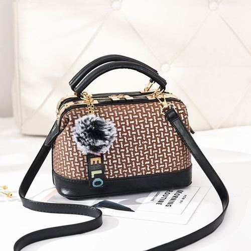 JT887613 IDR.165.000 MATERIAL PU SIZE L24XH15XW13CM WEIGHT 700GR COLOR BROWN