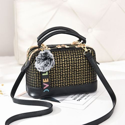 JT887613 IDR.165.000 MATERIAL PU SIZE L24XH15XW13CM WEIGHT 700GR COLOR GOLD
