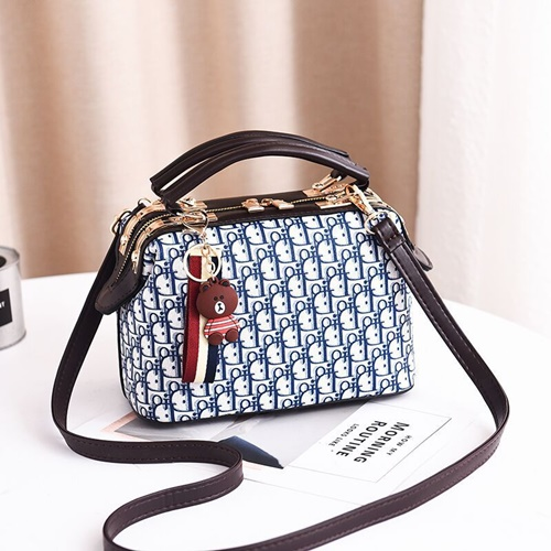 JT88765 IDR.180.000 MATERIAL PU SIZE L18XH19XW6CM WEIGHT 700GR COLOR BLUE
