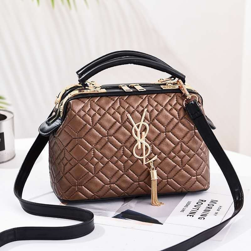 JT88963 IDR.175.000 MATERIAL PU SIZE L24XH17XW14CM WEIGHT 550GR COLOR KHAKI