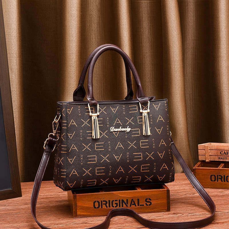 JT89071 IDR.178.000 MATERIAL PU SIZE L26XH20XW10CM WEIGHT 700GR COLOR AXEBROWN