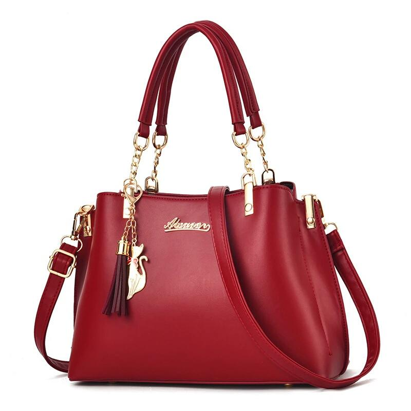 JT8916 IDR.184.000 MATERIAL PU SIZE L28XH23XW13CM WEIGHT 650GR COLOR RED