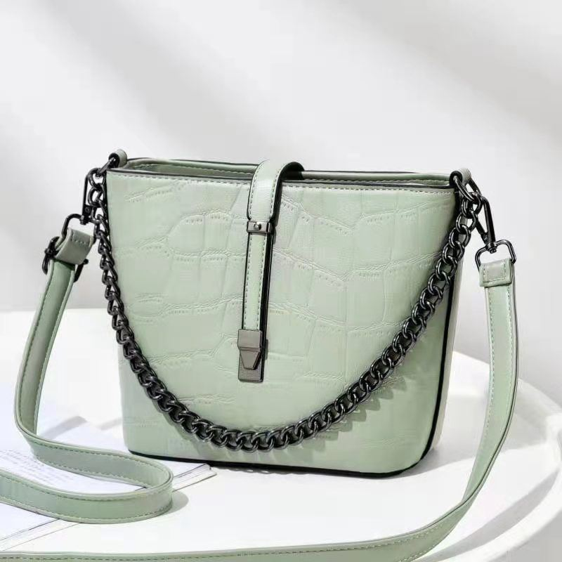 JT89971 IDR.176.000 MATERIAL PU SIZE L20XH18XW9CM WEIGHT 600GR COLOR GREEN