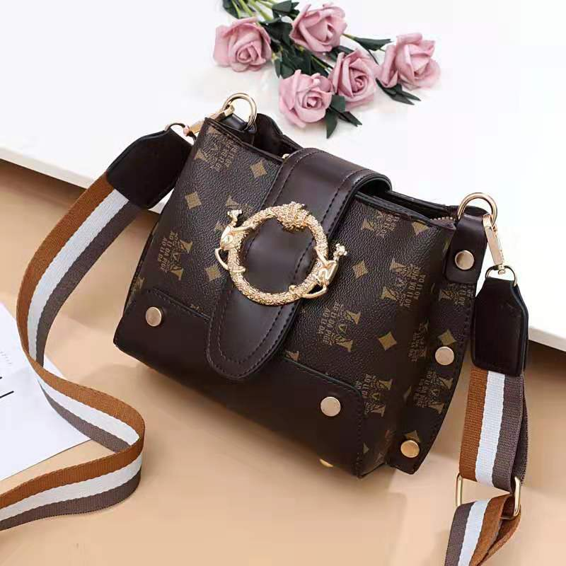 JT9008 IDR.167.000  MATERIAL PU SIZE L18XH17XW11CM WEIGHT 500GR COLOR COFFEE