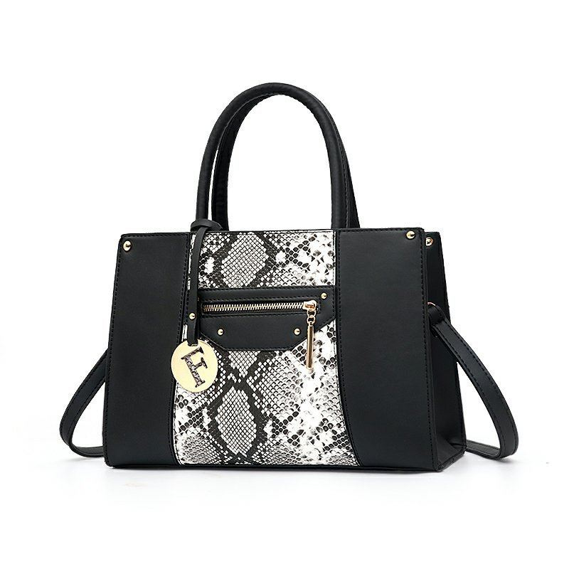 JT90180 IDR.164.000 MATERIAL PU SIZE L32XH21XW14CM WEIGHT 800GR COLOR BLACK
